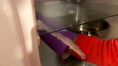 冷凍庫の霜を取る簡単な方法